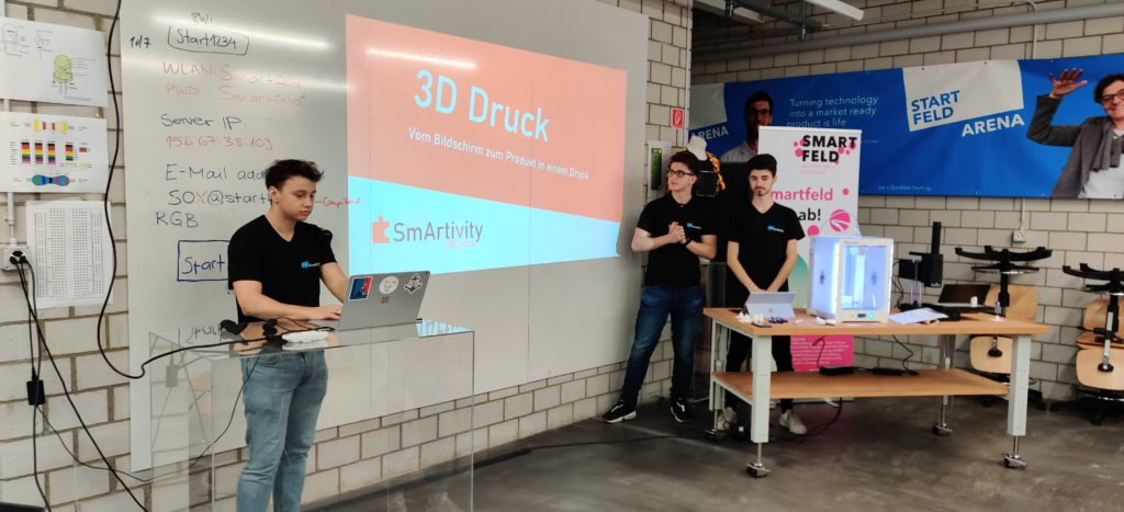 Drei Jungs erklären 3D Druck