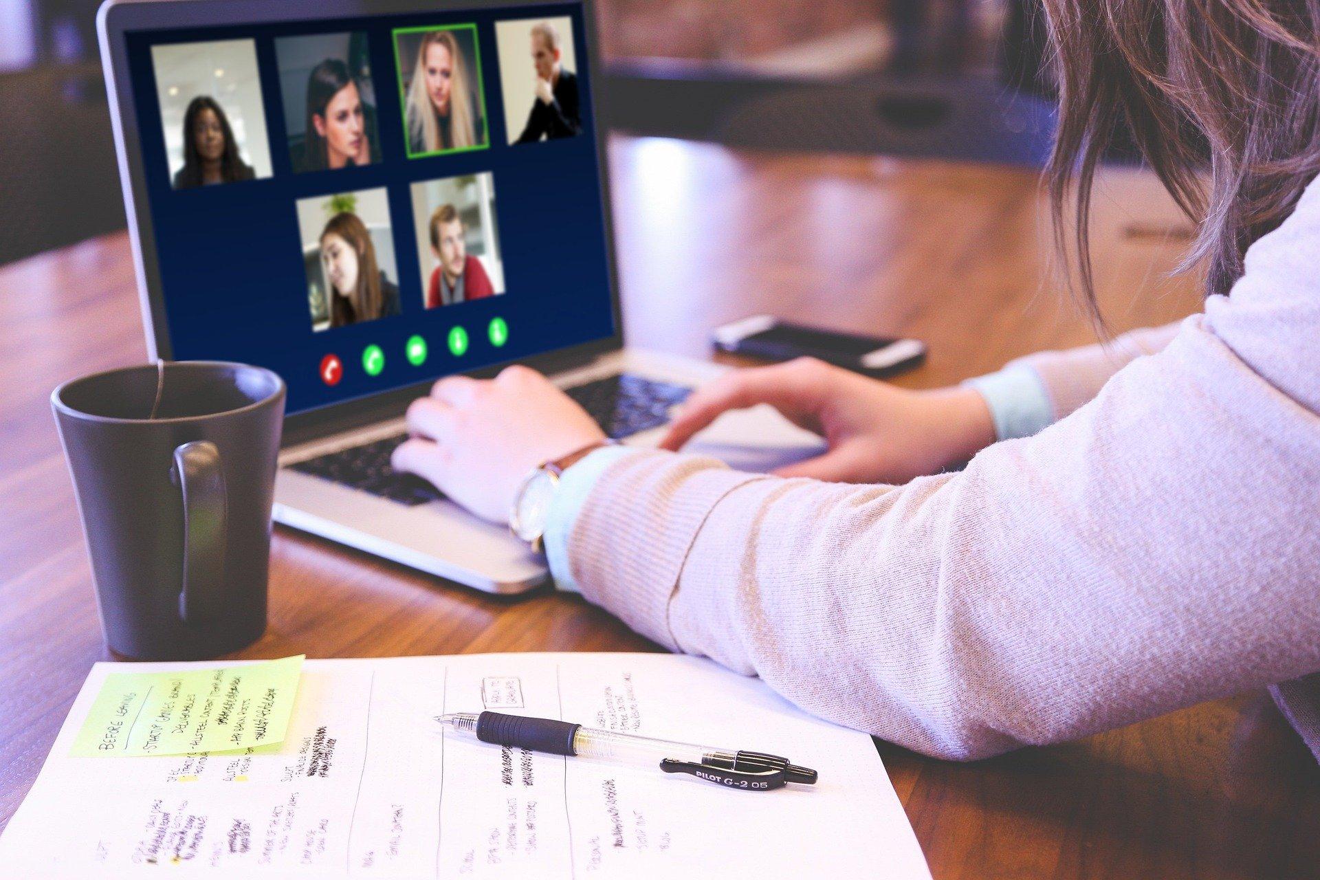 Video Konferenz Bildschirm